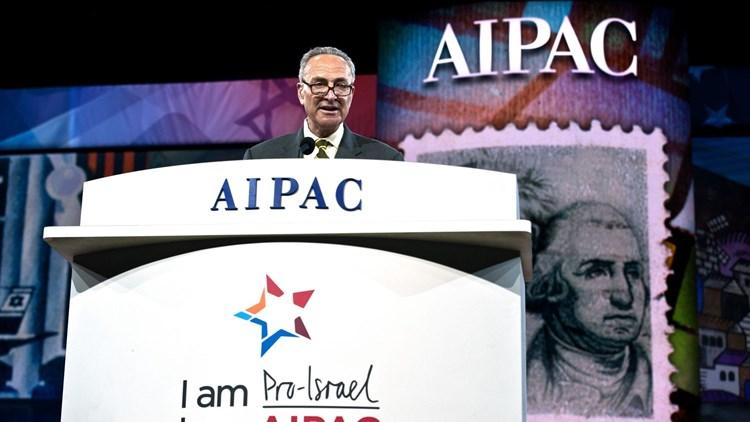 """""""أكسيوس"""": زعيم الأغلبية الديمقراطية بمجلس الشيوخ يواجه أزمة لانحيازه لـ""""إسرائيل"""""""