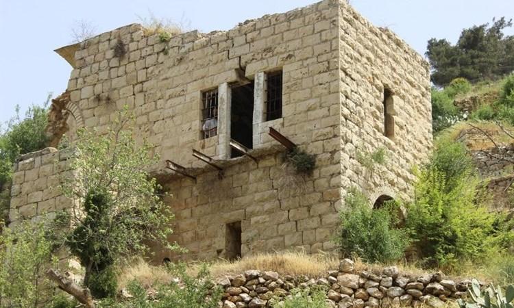 """""""ميدل إيست آي"""": الفلسطينيون يسعون لإنقاذ قرية لفتا المهجورة في القدس"""
