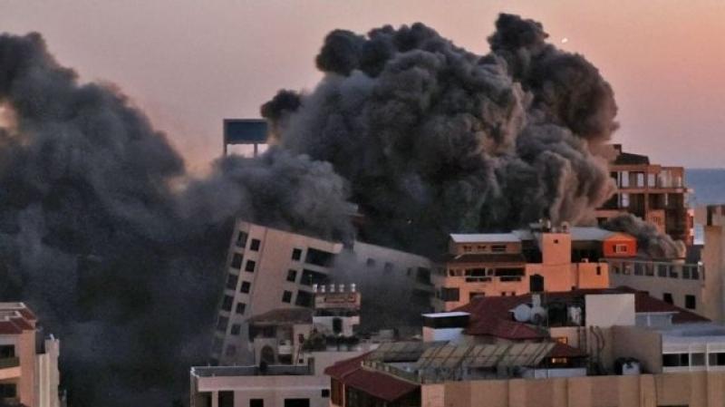 """يسرائيل هَيوم"""": هل من الممكن الانتصار بواسطة القصف الجوي؟"""""""