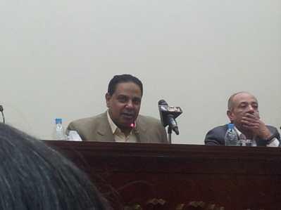 A photo from one of al-Aswany's 2013 seminars. Source: Wikipedia.