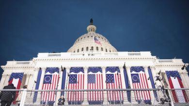 Photo of انتهاء أزمة إغلاق المؤسسات الفيدرالية الأميركية وآلاف الموظفين يتنفسون الصعداء