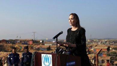 "Photo of نجمة هوليوود ""أنجلينا جولي "" تزور مخيمات الروهينغا في بنجلاديش"