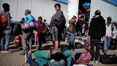Photo of 20 مهاجرًا فقط مسموح لهم بالعبور إلى تكساس يوميًا.. لماذا؟