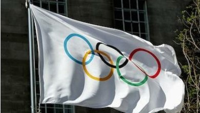 Photo of اللجنة الأولمبية الدولية تعاقب 3 رياضيين