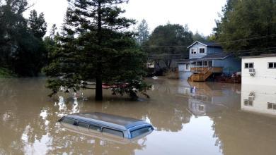 Photo of الفيضانات تجتاح ولاية كاليفورنيا الأميركية وتتسبب في غرق ألفي منزل