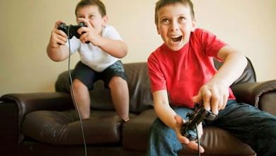 Photo of طفل إندونيسي ينفق 777 دولارًا على ألعاب الانترنت