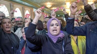 Photo of تونس- قطاعات متعددة تحتج على سياسات الحكومة والسبسي ينتقد أداءها