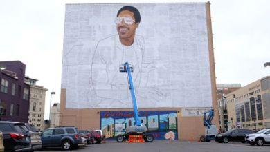 Photo of جدارية عملاقة لمطرب أمريكي على مبني في ديترويت