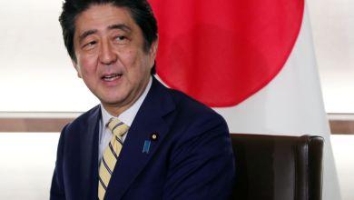Photo of رئيس الوزراء الياباني يلتقي مع خامنئي وروحاني هذا الأسبوع