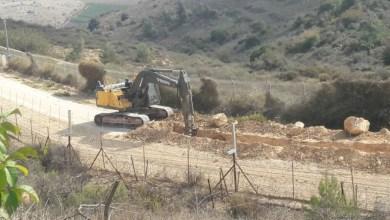 Photo of انفجار لغم أرضي بآلية إسرائيلية على حدود لبنان