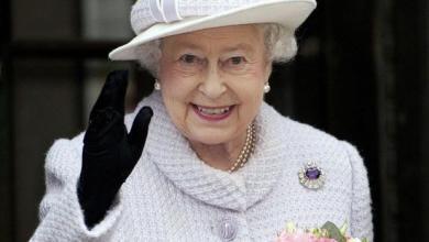 Photo of الملكة إليزابيث تهنئ منتخب إنجلترا لفوزه بكأس العالم للكريكيت