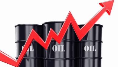 Photo of ارتفاع أسعار النفط بعد انخفاض مفاجئ بمخزونات الخام الأمريكي