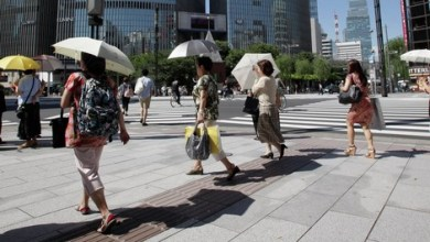 Photo of وفاة 57 ونقل 18 ألفًا للمستشفيات بسبب ارتفاع الحرارة في اليابان