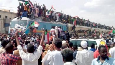 Photo of احتفالات شعبية تعم السودان ابتهاجا بتوقيع اتفاق السلطة الانتقالية