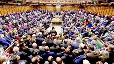 Photo of مظاهرات في بريطانيا احتجاجًا على تعليق عمل البرلمان