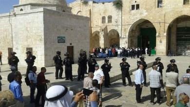 Photo of مستوطنون يقتحمون المسجد الأقصى بصحبة وزير الزراعة الإسرائيلي
