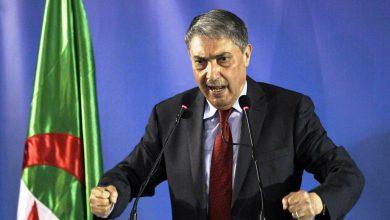 Photo of رئيس وزراء جزائري سابق يدعو لرحيل الحكومة الحالية