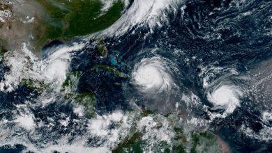 """Photo of إعصار """"لورينا"""" يجتاح مناطق بخليج كاليفورنيا ويسبب أمطارًا غزيرة"""