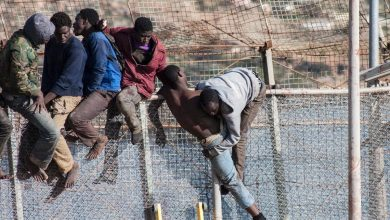 Photo of حزب إسباني يطالب ببناء جدار عازل لمنع تسلل المهاجرين من إفريقيا
