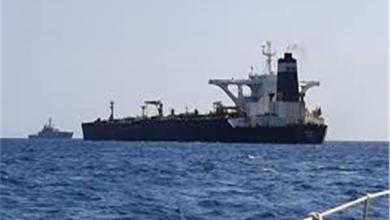 Photo of أمريكا تهدد بمعاقبة أي جهة تزود الناقلة الإيرانية بالوقود