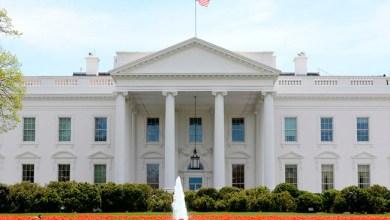 Photo of البيت الأبيض يطالب بالإعدام لمرتكبي القتل العشوائي