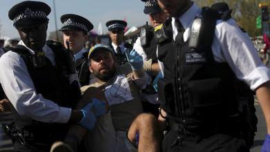 Photo of ارتفاع عدد معتقلي الاحتجاجات في بريطانيا إلى 276 شخصًا