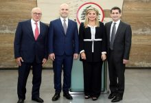 Photo of استقالة 4 وزراء من الحكومة اللبنانية وسط تصاعد وتيرة المظاهرات