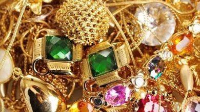 Photo of سكان مقاطعة إندونيسية يعثرون على كنوز من الذهب والمجوهرات