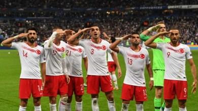 Photo of بالفيديو.. عقوبات تهدد المنتخب التركي بعد «التحية العسكرية»
