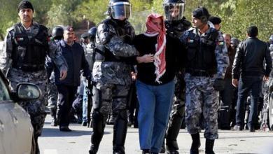 Photo of طعن 4 سائحين في موقع أثري بالأردن واعتقال الجاني