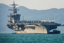 Photo of حاملة طائرات أمريكية تعبر مضيق هرمز وسط أجواء متوترة مع إيران