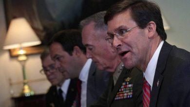 Photo of مصادر: اتفاق سري مع البيت الأبيض أطاح بوزير البحرية الأمريكية