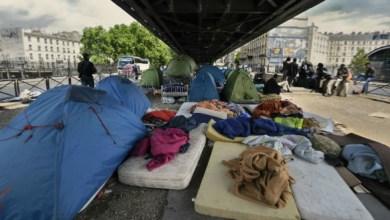 Photo of إخلاء مخيمات المهاجرين غير الرسمية بباريس نهاية العام