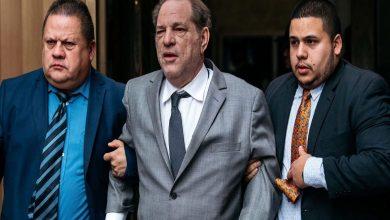 """Photo of """"متحرش هوليود"""".. يذهب للمحكمة على كرسي متحرك"""