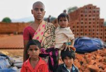 Photo of هندية تبيع شعرها بدولارين من أجل إطعام أطفالها