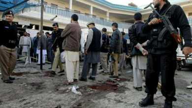 Photo of مقتل وإصابة 34 شخصًا في تفجير بمسجد غرب باكستان