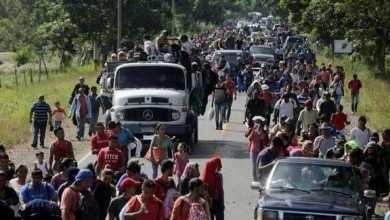 Photo of مهاجرون يحتشدون على حدود المكسيك استعدادًا للعبور إلى أمريكا