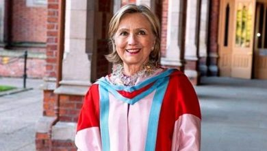 Photo of هيلاري كلينتون أول امرأة في منصب رئيس جامعة بأيرلندا الشمالية