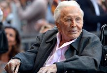 Photo of وفاة الممثل الأمريكى كيرك دوجلاس عن عمر 103 عامًا