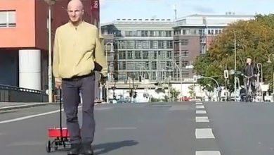 "Photo of فنان ألماني يخدع ""خرائط جوجل"" ويغلق شوراع برلين"