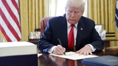 Photo of ترامب يوقع قانون تخصيص 8.3 مليار دولار لمواجهة كورونا