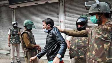 Photo of بالضرب والتمارين القاسية.. هكذا تعاقب الهند مخترقي الحظر (فيديو)
