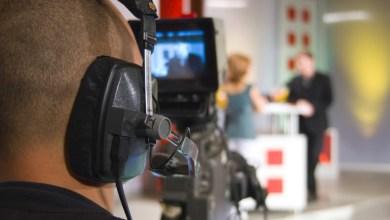 Photo of كورونا يتسبب في فصل مذيعة أمريكية بقناة فوكس نيوز