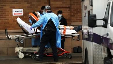 Photo of طبيبة أمريكية تعالج مرضى كورونا: يمكنك أن تشم رائحة الخوف والموت
