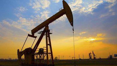Photo of تراجع أسعار النفط مع ارتفاع مخزونات الخام الأمريكي