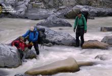 صورة التشبث بالحياة في آلاسكا HD : قبضة حازمة