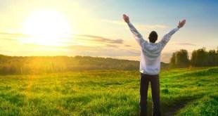 """مقال- أطعمة تساعد على تحسين المزاج وإفراز """"هرمون السعادة"""""""