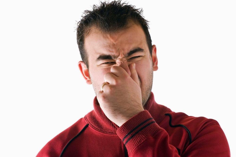 مقال - 8 أعراض تسبب الإحراج لا تهملها أبدا - موقع علوم العرب