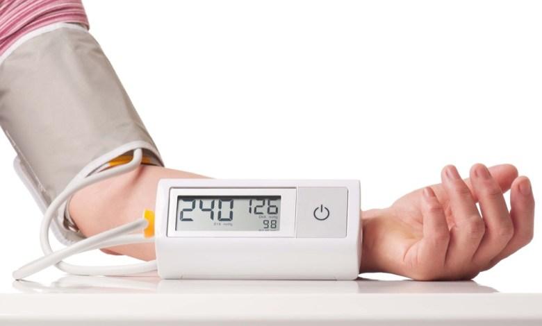 مقال - أطعمة طبيعيّة تساعد في خفض ضغط الدم القاتل