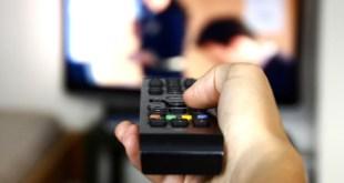 مقال - مخاطر قد لا تعرفها عن تأثير التلفاز على صحتك